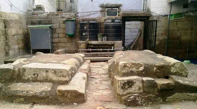 The-tomb-of-Razia-Sultan,-D